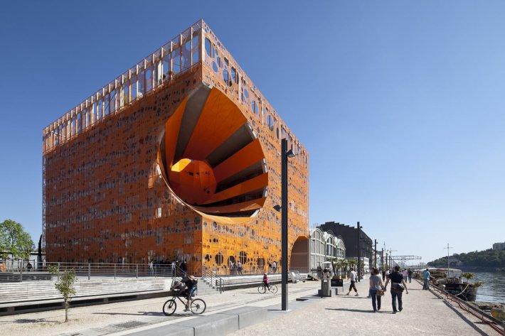 Le-Cube-orange